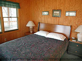bedroom in cabin 10 mountain haven in pigeon forge tennessee
