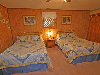 country bedroom for two in cabin 19 fryemont manor at eagles ridge