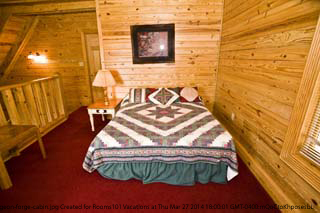 bedroom in cabin 25 country daze in pigeon forge tennessee