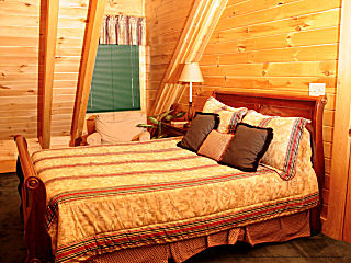 bedroom in cabin 91 eagles beauty in pigeon forge tennessee