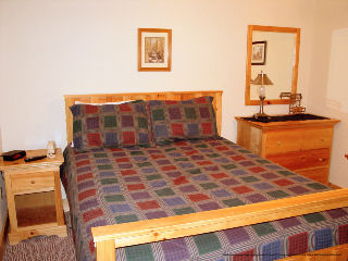 439 Pigeon Forge 3 Day 2 Night Package 5 Bedroom Cabin