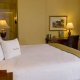 DoubleTree-by-Hilton-Charleston-king-room