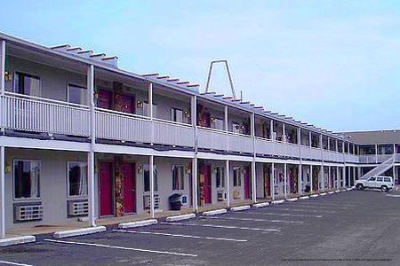 Summer branson vacation at classic motor inn from 229 for Classic motor inn branson