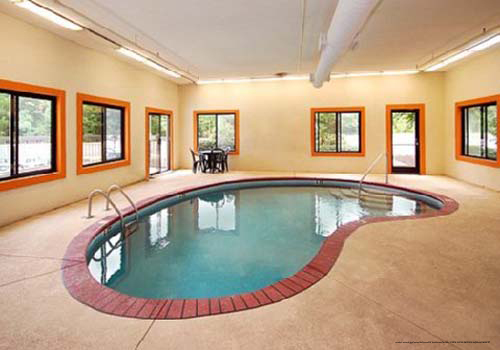 149 Comfort Suites Memorial Day Pigeon Forge Vacation 1 Bedroom Suite 3 Day 2 Night