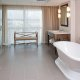Crowne Plaza Hotel bathtub