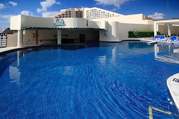 Christmas cancun vacation at great parmassus resort and for Cheap spa resort packages
