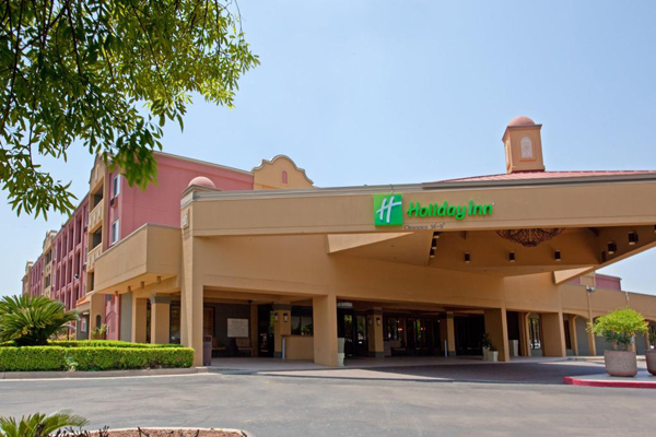 holiday inn using marketing to Hospitality group ihg, owner of sub-brands including intercontinental, kimpton and holiday inn hotels, recently expanded its offerings with a new chain, avid hotels using an elaborate customer.