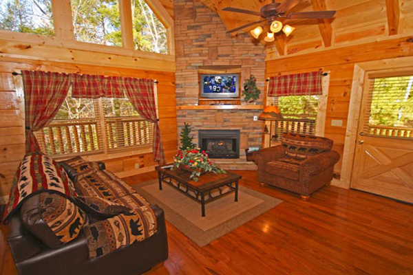 An upscale log home community  Eagles Ridge is located 1 mile from the  Parkway in Pigeon Forge  Tennessee  With a large outdoor pool and club  house that can. 99 3 Days 2 Nights Pigeon Forge Cheap Cabin Deal Tenn