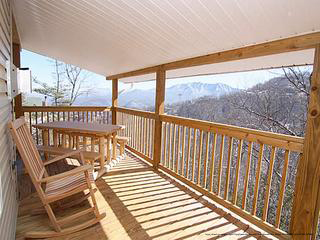 bedroom cabin in pigeon forge smoky mountains