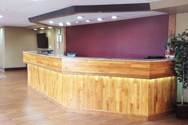 Pigeon Forge Inn And Suites Front Desk