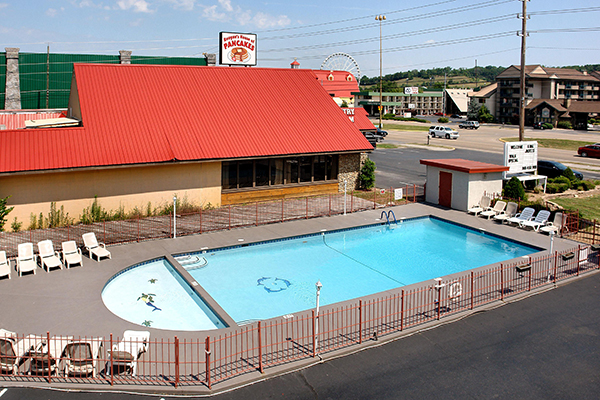 Superior Pigeon Forge Inn And Suites Pool