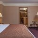 Quality Suites - Royal Parc king room