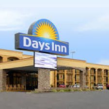 $269 | The Days Inn Motel | Spring Break Pigeon Forge Vacation | Standard/Deluxe Hotel Room | 5 day 4 night | $100 Dining Dough