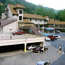 Gatlinburg Vacations - The Sidney James Mountain Lodge vacation deals
