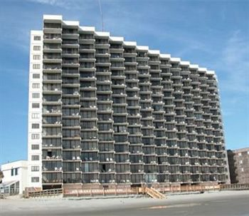 $269 | Myrtle Beach, SC | Fall Specials Vacation | 5 Days 4 Nights | Royal Garden Resort | Free $50 Dining Card | 1 Bedroom Condo