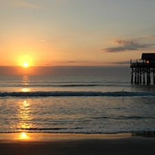 $199 | Cocoa Beach, Florida | New Year's Vacation Getaway | 4 Days 3 Nights | Best Western Ocean Front Hotel | FREE Breakfast | FREE $100 Visa Card | FREE $25 Dining Card
