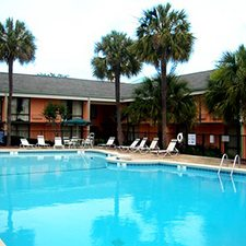 $269 | Best Western Sweetgrass Inn | 4th of July Charleston Vacation | Standard/Deluxe Hotel Room | 7 day 6 night | $100 Dining Dough