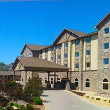 $349 ( All Inclusive ) | Branson, MO | Christmas Vacation Deal | 5 Days 4 Nights | Castle Rock Resort and Waterpark | Deluxe Hotel Room | 4 Free Waterpark Tickets