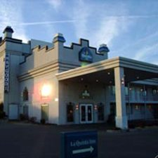 $119 | La Quinta Inn | 4th of July Branson Vacation | Deluxe Hotel Room | 5 day 4 night | Discount Hotel Rate