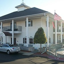 $149 | Branson Plantation Inn | Memorial Day Branson Vacation | Deluxe Hotel Room | 4 day 3 night | $50 Dining Dough