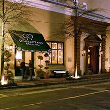 $139 ( Per Night ) | Charleston SC | Vacation Special Deal | Doubletree Guest Suites in Historic Charleston | Luxury Suites