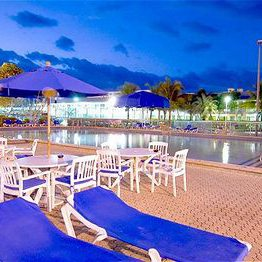 $359 | International Palms Resort and Conference Center | Summer Cocoa Beach Vacation | Standard/Deluxe Hotel Room | 5 day 4 night | $100 Dining Dough
