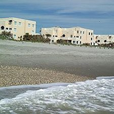 $399 | Royal Mansions Resort | Summer Cocoa Beach Vacation | Standard/Deluxe Hotel Room | 6 day 5 night | $100 Dining Dough