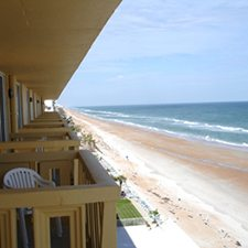 $149 | Best Western Castillo Del Sol | 4th of July Daytona Beach Vacation | Studio Suite | 4 day 3 night | $25 Dining Dough