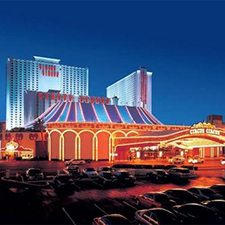 $179 | Circus Circus Las Vegas Hotel and Casino | 4th of July Las Vegas Vacation | Standard/Deluxe Hotel Room | 6 day 5 night | $50 Dining Dough