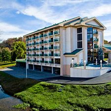 $249 | Pigeon River Inn and Suites | Thanksgiving Pigeon Forge Vacation | Standard/Deluxe Hotel Room | 5 day 4 night | 2 Dixie Stampede Tickets