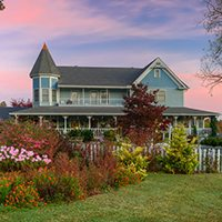 $159 | The Blue Mist Country Inn | Winter Pigeon Forge Vacation | 1 Bedroom Suite | 3 Day 2 Night | $50 Dining Dough