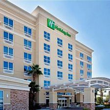 $449 | Gulfport Holiday Inn | Summer Biloxi Vacation | Standard/Deluxe Hotel Room | 6 day 5 night | $100 Dining Dough