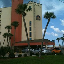 $239 | Best Western New Smyrna Beach Hotel and Suites | 4th of July New Smyrna Beach Vacation | Deluxe Hotel Room | 5 day 4 night | $100 Dining Dough