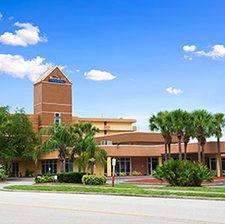 Orlando Florida Vacations - Baymont Inn and Suites vacation deals