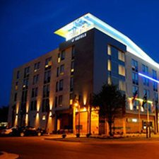 $139 | Aloft Charleston Airport | Winter Charleston Vacation | Standard/Deluxe Hotel Room | 4 day 3 night | Discount Hotel Rate