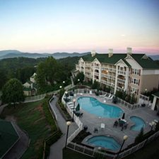 $69 | Sunrise Ridge Resort | Christmas Pigeon Forge Vacation | 1 Bedroom Suite | 3 Day 2 Night | $100 Dining Dough