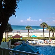 $29 ( Per Night ) | Daytona Beach, FL | Ocean Front Efficiency Suite Deal | El Caribe Resort | Up To 3 Nights