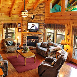 $99 | Fall Pigeon Forge Vacation | 1 Bedroom Luxury Cabin | 3 Days 2 Nights | $100 Dining Dough